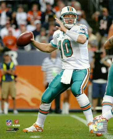 Chad Pennington Miami Dolphins Passing 8x10 Photo